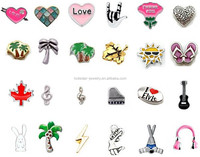 Factory wholesale thousands of designs zinc alloy cheap price floating locket charms heart shaped charms