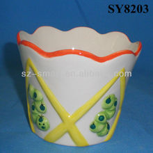 Drawing embossed frog pattern ceramic flower pot