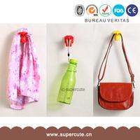 2014 Chinese Hot sell pratical houseware item plastic hanger manufacturer
