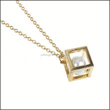 wholesale customized top sellers pearl in gold box necklace