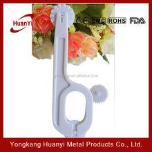 3 whells Plastic fondant cutter and embosser