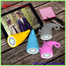 2015 Newest flat mini speakers loud portable speakers with fm radio music mini bluetooth speaker