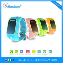 Remote control the kids gps tracker by parents mobile phone SOS function
