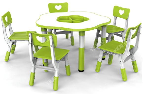 fleur de prunier forme enfants tude de table et chaise. Black Bedroom Furniture Sets. Home Design Ideas