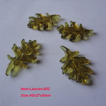 plastic leaves as harvest table scatter