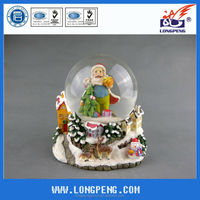 Polyresin christmas snow globe, water globe,snow ball