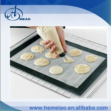 Allows for easy cleaning silicone baking mat with high quality