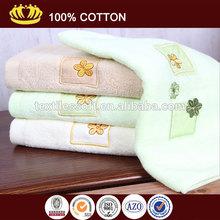 100% algodão sem torção cor sólida bordados de flores toalha de rosto atacado