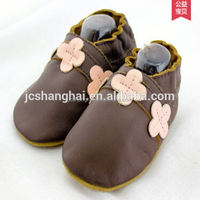 Soft sole slipper 2015 wholsale hand shoes with crochet baby shoes for the 0-3 year old