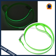 Glowing in the dark leash for hunting and training
