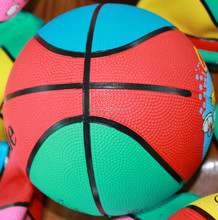 Top level Crazy Selling rubber mini basketball customized
