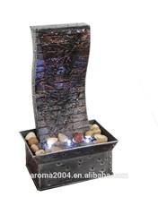 Mini pizarra en forma de fuente de agua con decoración interior, artesanía