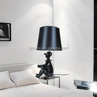 Resin Clown Table Lamp Kid Shape Reading Lamp Modern Fashion Bedroom Table Lamp for Hotel Living room