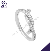 Luxurious aaa zircon stone engagement silver clip ring