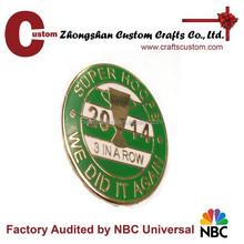Custom your sports metal lapel pin/ souvenir pin badge