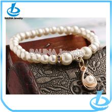 Perlas Pulsera al por mayor de joyería de perlas encanto pendiente de la aleación de oro de la cadena rhinestone