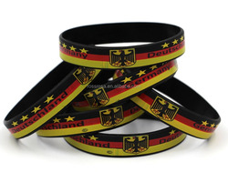 2015 hot selling Germany sport 100% silicone bracelet nice pattern with own design logo many crafts silicone bracelet