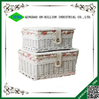 Natural rattan basket with lid for storage