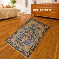 Classica troditional art showing on a lovely small 2.5x4 ft handknotted area rug silk carpet