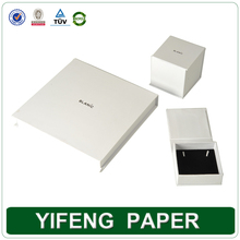 Custom Made White Fashion Cardboard Gift Box Square Magnetic Paper Packing Box for jewelry Wholesale in China