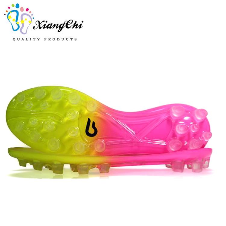 Оптовая продажа новый дизайн спортивные футбольные бутсы ТПУ подошву
