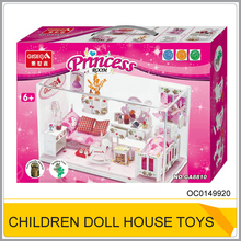 Small wooden doll house toy with furniture OC0149920