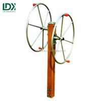 Outdoor fitness equipment arm wheel shoulder wheel