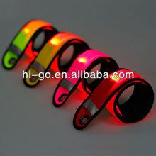 china 2014 nuevo e innovador producto led pulsera bofetada para practicar el senderismo