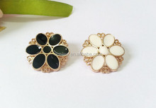 new fashion elegant white and black mental buttons to cover wholesale