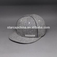 venta al por mayor cosecha en blanco tapa snapback hat y con marca de cuero