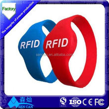 Hot!!! 13.56MHz waterproof rfid wristband/nfc bracelet used in Gym club easy to register