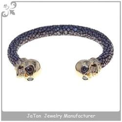 High Polished Luxury Bracelet Stingray Leather With Skull, Stainless steel Skull Bracelet