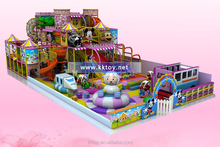 Équipements de jeux couverte pour enfants intérieure parc conception différente de jouets et taille