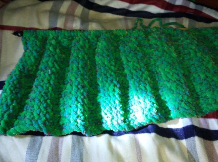 mermaid tail blanket (5).jpg