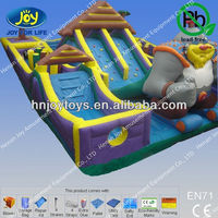 PVC Plato Inflatable King Kong with Toys in Park