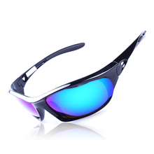 2014 nuevo estilo polarizado/pc lente azul con negro tr90 marcos gafas de sol deportivas