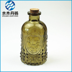 250ml Home Air Freshener Use embossed logo fragrance reed diffuser glass bottle with cork