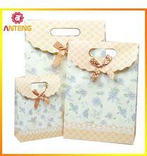 China Cheap Christmas Gift Bags Cheap Paper Packaging Bag