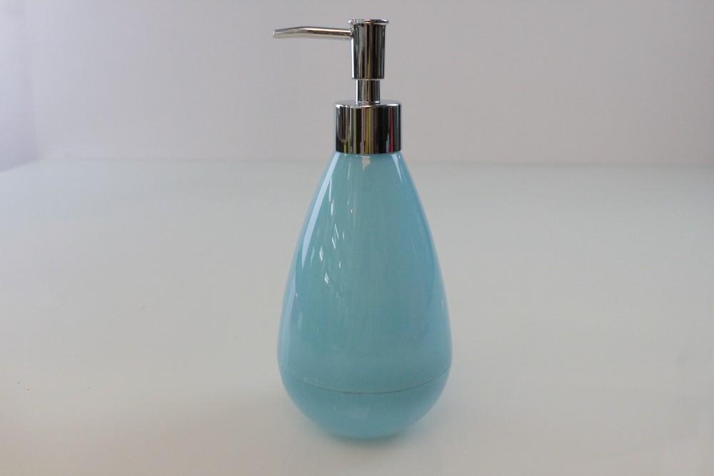 Color salle de bains accessoires en plastique lotion for Distributeur salle de bain