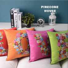 FASHION Style and 100% Polyester Material digital printed cushion