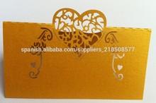 tarjeta del corazón del corte del laser para el lugar de asiento de la boda