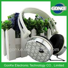 Auriculares multifuncion con estilo retro y sonido estéreo
