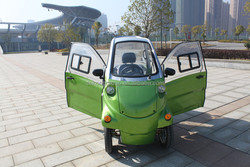 Environmental friendly Luxurious design high quality 2 seaters with close doors mini scooter electrical car