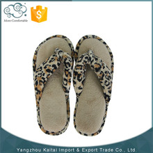 Good quality cheap china made cute colorful flip flops for women