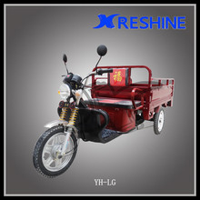 Electric tricycle for heavy cargo transportation