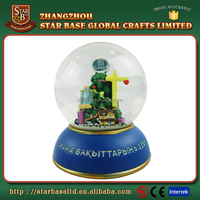 Good sale resin water snow globes cheap with low price