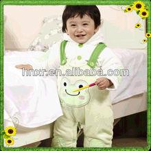 De invierno del bebé de dos pieza nueva caída de terciopelo rana pantalones de traje de bebé de/traje de vestir infantil