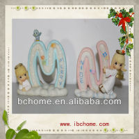Resin Children Learn fancy letters alphabet figurines,alphabet letter M and N