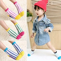 2015 fashion design socks cost-effective young girl sock