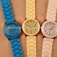 2013 most popular ladies watch silicone wristband watch